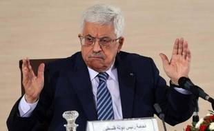 Le président palestinien Mahmoud Abbas, le 23 décembre 2014 à Alger