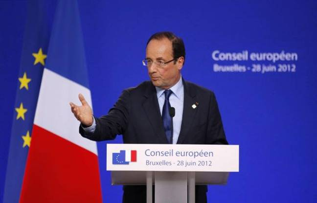 François Hollande lors de sa conférence de presse au sommet européen de Bruxelles, dans la nuit du 28 au 29 juin 2012.