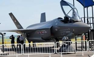 Le groupe de défense américain Lockheed Martin a annoncé vendredi soir que le Pentagone lui avait passé une commande de 3,5 milliards de dollars pour 31 avions de chasse F-35.