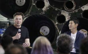 Le patron de SpaceX, Elon Musk, avec le milliardaire japonais Yusaku Maezawa, qui sera le premier touriste lunaire en 2023.