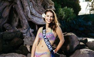 La miss Bretagne Léa Bizeul ici lors d'un shooting photo à Tahiti le 25 novembre 2015