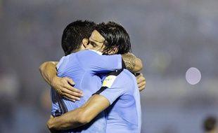Luis Suarez et Edinson Cavani lors de la victoire de l'Uruguay sur le Paraguay