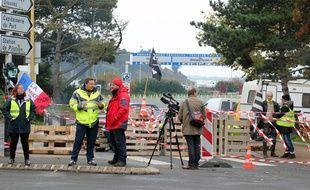 Les «Gilets jaunes» bloquaient depuis mardi les accès à la gare maritime de Saint-Malo.