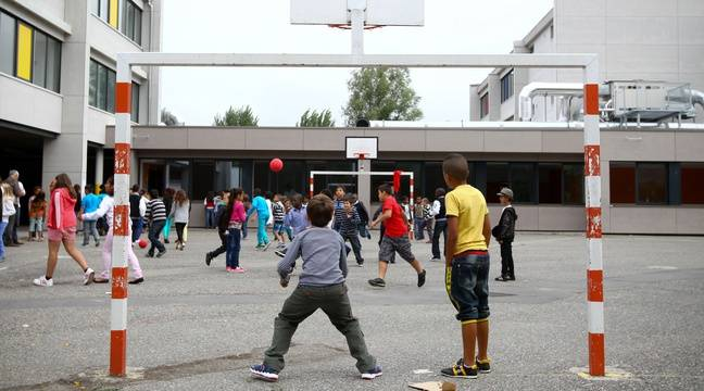 Les garçons au centre, les filles sur les côtés... Pourquoi la cour de récréation est un lieu d'inégalités entre les élèves?