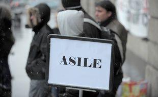 Sans papiers demandeurs d'asile devant la prefecture. Le 16 02 2009