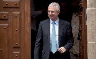 Le député PS Claude Bartolone, candidat à la présidence de l'Assemblée nationale, s'est prononcé lundi en faveur de l'entrée de communistes au gouvernement.