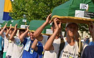 Quelque 7.000 marcheurs sont arrivés mardi au centre mémorial de Potocari, après avoir refait en sens inverse le chemin emprunté par les musulmans de Srebrenica (Bosnie orientale) à travers les forêts pour tenter de fuir le massacre perpétré par les forces serbes en 1995.
