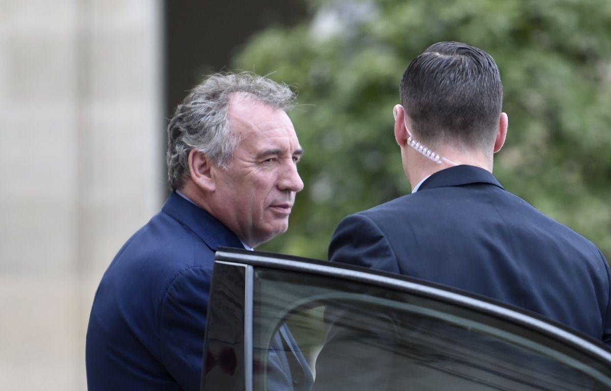 François Bayrou, le nouveau ministre de la Justice, quittant l'Elysée, après le premier Conseil des ministres, le 18 mai 2017 à Paris.   – STEPHANE DE SAKUTIN / AFP