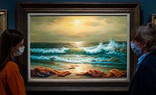 Un des tableaux du triptyque Vue de la mer Méditerranée, 2017 de Banksy, à Londres le 23 juillet 2020.