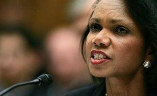 """La secrétaire d'Etat américaine, Condoleezza Rice, a annoncé vendredi son intention de tenter de convaincre la Turquie de renoncer à une opération militaire """"déstabilisatrice"""" en Irak, car selon elle le PKK est autant """"l'ennemi"""" des Etats-Unis et de l'Irak que de la Turquie."""