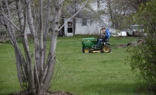 Non, le tracteur tondeuse ne peut pas être utilisé comme une voiture mais sur une pelouse.