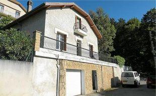 Les Roms occupent cette maison de St-Martin-le-Vinoux, depuis octobre?2010.
