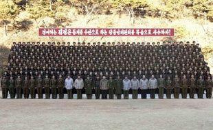 La Corée du Nord se prépare à une parade militaire sans précédent pour début 2012, pour célébrer les anniversaires de ses deux précédents dirigeants, grand-père et père du dirigeant actuel, a indiqué lundi la presse sud-coréenne.