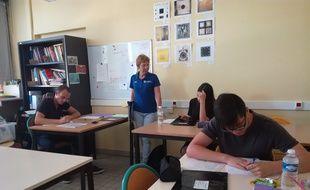 Les élèves en plein examen