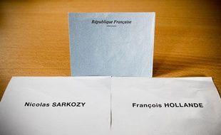 François Hollande, en tête du scrutin au premier tour, garderait l'avantage au second tour selon un sondage CSA pour 20 Minutes, BFMTV et RMC publié ce dimanche 22 avril