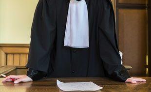 Une avocate en train de plaider (illustration)