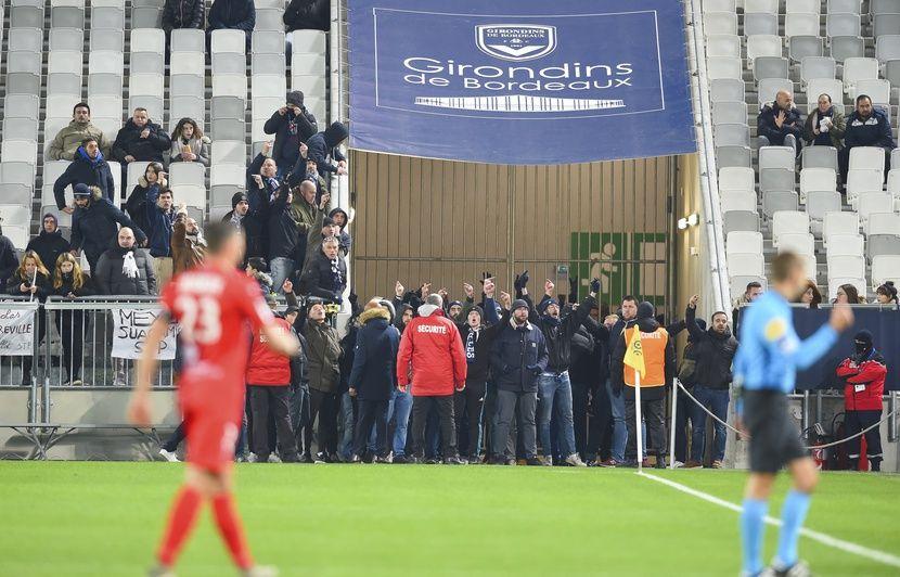 Girondins de Bordeaux : Le Virage Sud fermé à titre conservatoire après les incidents contre Nîmes