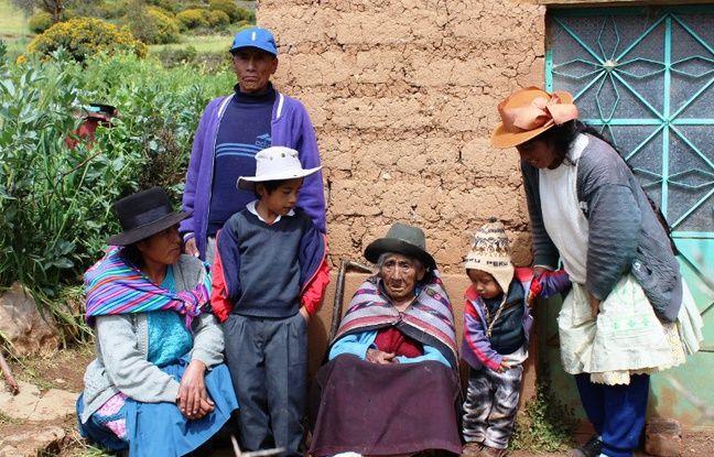 Taipe Mendoza, une centenaire péruvienne née en 1897 (photo du 20 avril 2014).