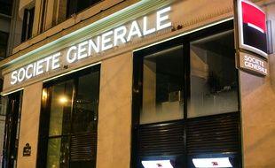 Une agence de la Société Générale sur les Champs-Elysées, à Paris, le 25 janvier 2015.