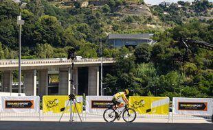 Les Niçois ont très peu eu accès aux coureurs du Tour de France, ici le 31 août. Les Lyonnais devraient vivre la même frustration samedi et dimanche.