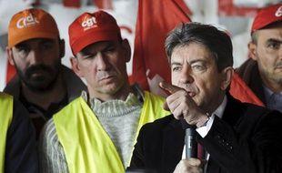 Jean-Luc Mélenchon à Saint-Fons (Rhône), avec les salariés d'Arkema, le 7 février 2012.