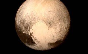 Pluton, une odyssée mouvementée