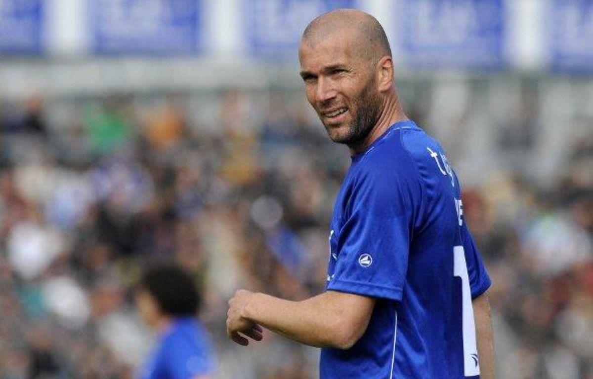 L'ancien champion du monde et international français Zinédine Zidane, lors d'un match caritatif pour son association ELA, le 8 mai 2010. – E.Pol/Sipa
