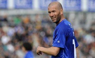 L'ancien champion du monde et international français Zinédine Zidane, lors d'un match caritatif pour son association ELA, le 8 mai 2010.