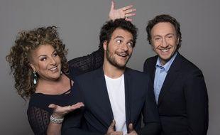 Amir, représentant de la France à l'Eurovision, entouré de Marianne James et Stéphane Bern qui commenteront la finale le 14 mai.