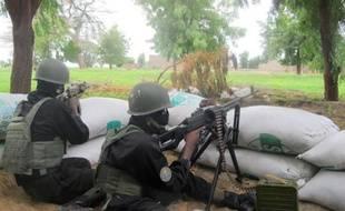 Des militaires camerounais à un poste de contrôle, le 17 juin 2014 à Armchidé