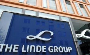 Le producteur allemand de gaz industriels Linde, grand concurrent du français Air Liquide, a annoncé vendredi la nomination de Wolfgang Büchele, un ancien de BASF, pour remplacer l'actuel patron du groupe, Wolfgang Reitzle, en mai 2014.