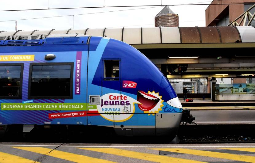 Vacances D Ete La Sncf Lance Un Pass Ter Illimite Pour Les 12 25 Ans