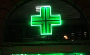 La devanture d'une pharmacie. (Illustration)