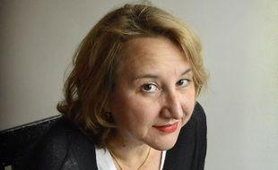 Portrait d'Elise Thiébaut, journaliste et auteure de Ceci est mon sang, livre sur les règles.