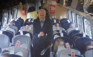 Jeremy Corbyn dans le train qui l'emmenait de Londres à Newcastle le 11 août.