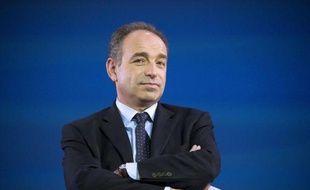 En meeting mercredi soir à Rochefort sur les terres picto-charentaises de Ségolène Royal, Jean-François Copé joue un rôle clef dans la campagne du président-candidat mais pense aussi déjà à l'après-Sarkozy et tisse sa toile au sein du parti présidentiel.