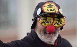 Des opposants au projet d'aéroport de Notre-Dame-des-Landes ont manifesté pendant la journée internationale contre les Grands Projets Inutiles Imposés, à Nantes le 9 décembre 2017.