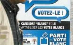 Une affiche du Parti du vote blanc.