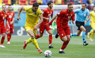 Yaremchuk plein de sang-froid pour donner de l'avance à son équipe.