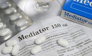"""La justice civile est amenée jeudi pour la première fois à étudier la responsabilitédes laboratoires Servier au regard de la """"défectuosité"""" du Mediator"""