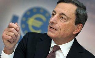 La Banque centrale européenne (BCE) s'est dite jeudi prête à continuer d'intervenir pour soutenir la zone euro toujours engluée dans la récession, sans en voir la nécessité ce mois-ci.
