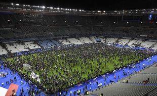 La foule a envahi le Stade de France après France-Allemagne le 12 novembre 2015.