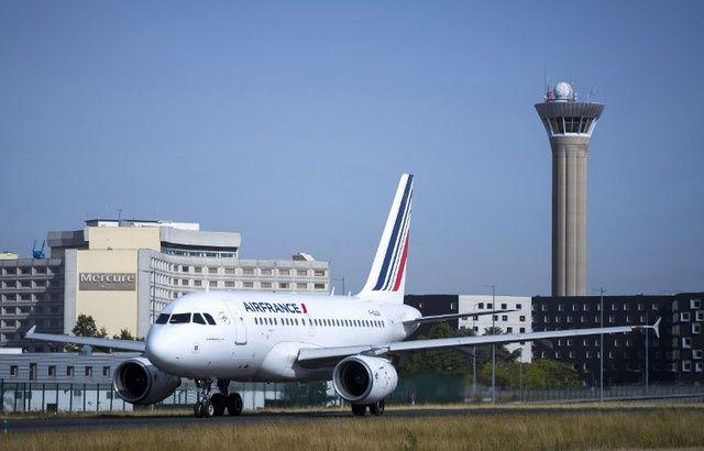 Deux porteurs d'armes factices interpellés à l'aéroport de Roissy 640x410_avion-air-france-aeroport-roissy-image-illustration