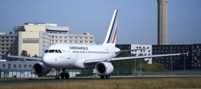 Un avion Air France à l'aéroport de Roissy (image d'illustration).