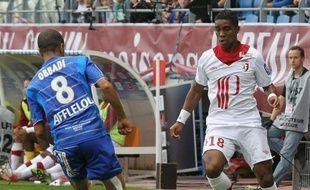 Lille et Bordeaux, la tête vraisemblablement déjà tournée vers la coupe d'Europe, ont été tenus en échec à Troyes (1-1) et Valenciennes (0-0) samedi lors de la 5e journée de L1, qui a vu le Paris SG battre vendredi Toulouse (2-0).