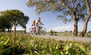 Des cyclistes sur un itinéraire de Loire-Atlantique.