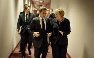 """""""La France et l'Allemagne ont décidé de convoquer Georges Papandréou pour qu'on s'explique avant le G20"""", a expliqué à l'AFP une source gouvernementale française. """"Il fallait réagir immédiatement."""""""
