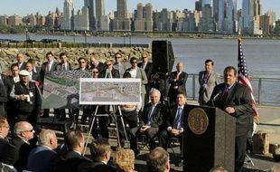 Le Grand Prix des Etats-Unis de Formule 1 se déroulera à compter de 2013, pour un contrat de dix ans, dans le New Jersey, en circuit urbain le long de la rivière Hudson, avec New York en spectaculaire toile de fond, a annoncé mardi le gouverneur de l'Etat Chris Christie.