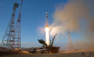 Le 25 avril 2020, à Baikonur (Kazakhstan) la fusée Soyuz transportant le cargo Progress décolle pour l'ISS