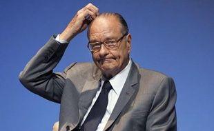 """Déjà renvoyé en procès pour des emplois fictifs présumés à la mairie de Paris, l'ancien président Jacques Chirac devra répondre en correctionnelle d'une éventuelle """"prise illégale d'intérêts"""" dans le dossier instruit à Nanterre et pour lequel Alain Juppé a été condamné."""